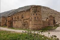 قلعه توت از جاذبه های گردشگری ایلام