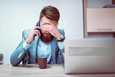 غلبه بر خجالت و کمرویی هنگام مکالمه تلفنی